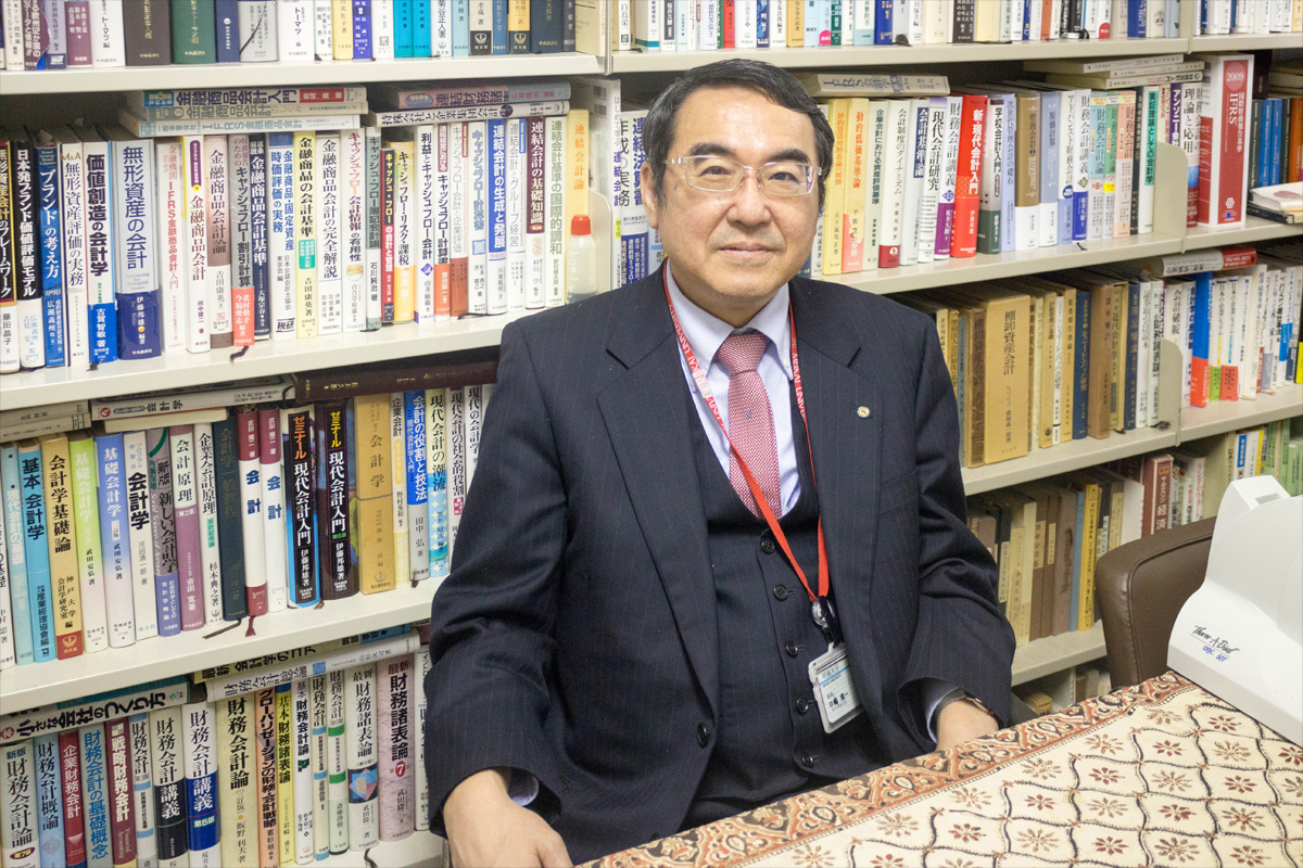 中嶋隆一 教授
